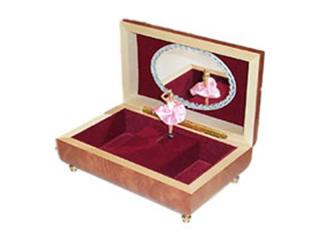 Ballerina in wooden jewelry box